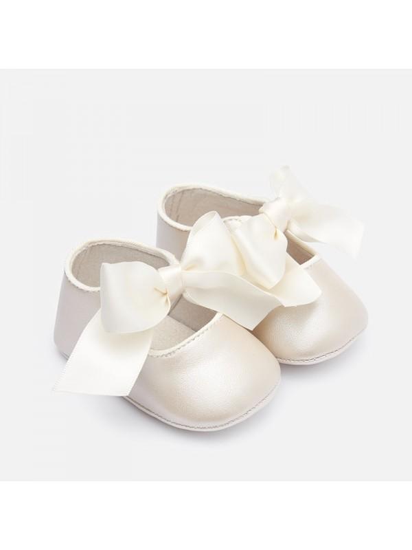 Balerini sidefati bebe fetita nou-nascuta